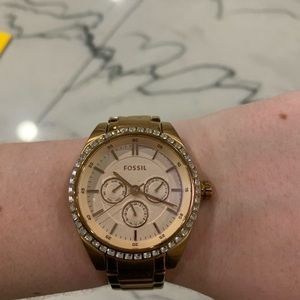 Rose gold Fossil watch